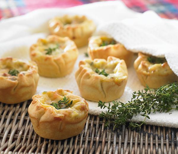 Mini Chicken & Leek Pies - Everyday Delicious Kitchen
