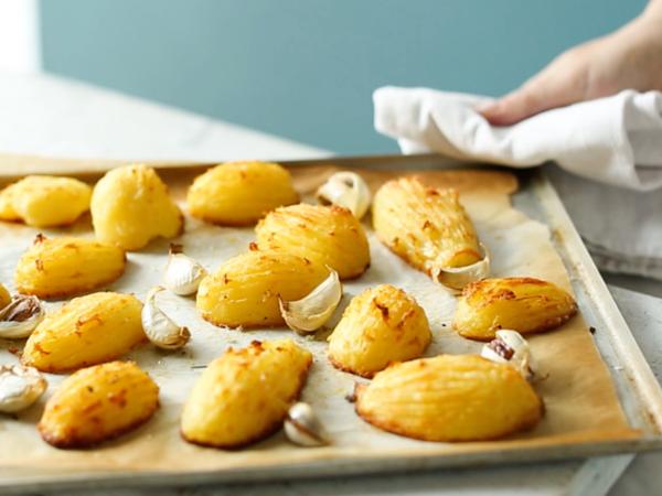 Learn how to make crispy roast potatoes