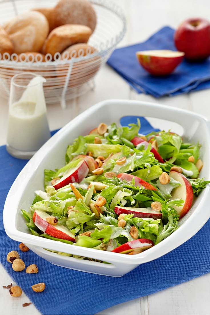 Crisp Green Salad With Blue Cheese Dressing