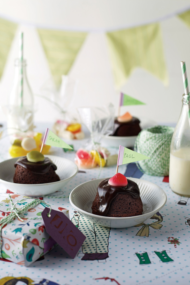 Kids Party Cookbook: Mini Chocolate Mudcakes, rich and delicious a kids party food favourite
