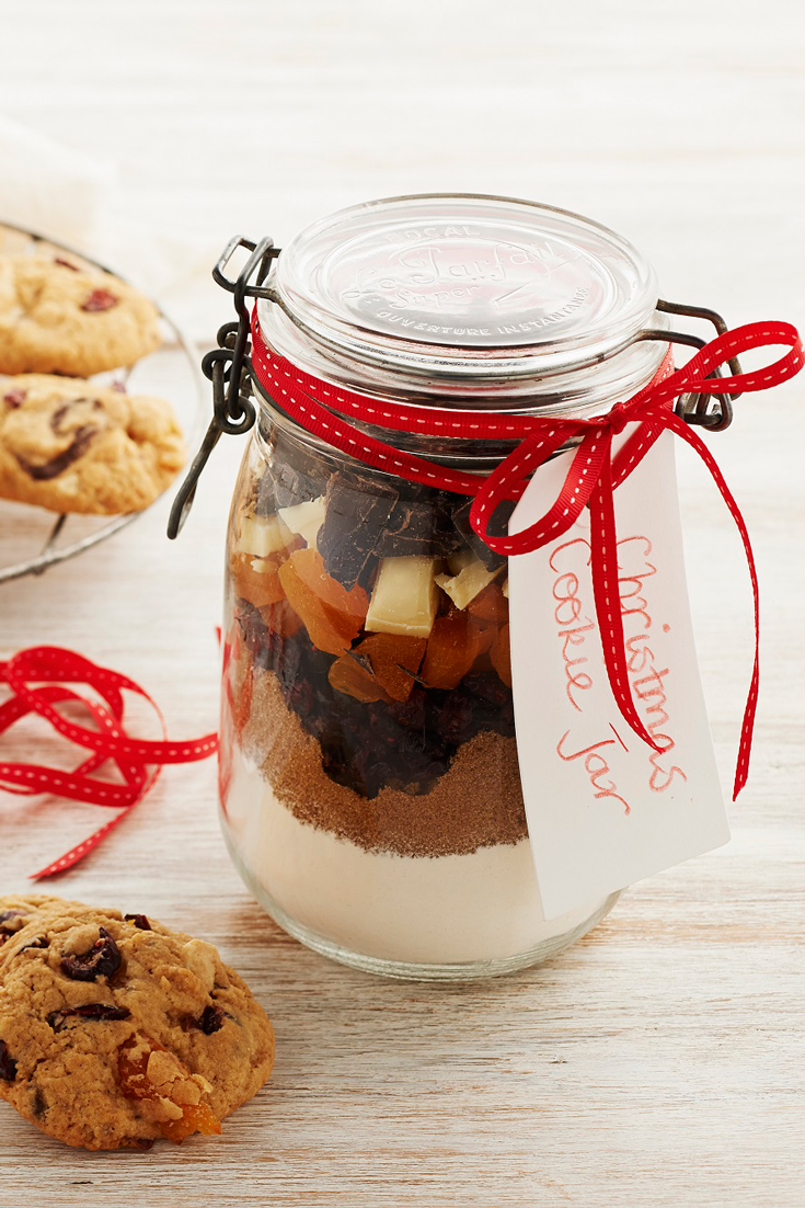 christmas cookie gift jars pre made cookie mix that you can label and give as