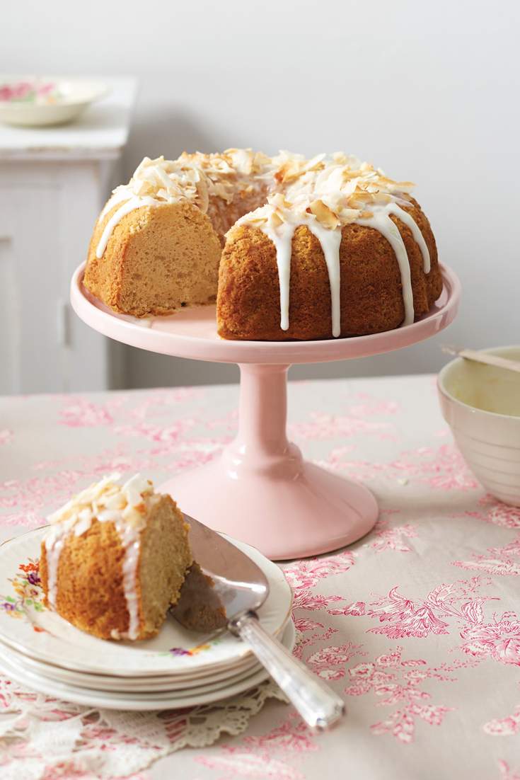 Gluten Free Banana Cake with lemon icing - Easy and delicious baking recipes from the grandma's kitchen cookbook