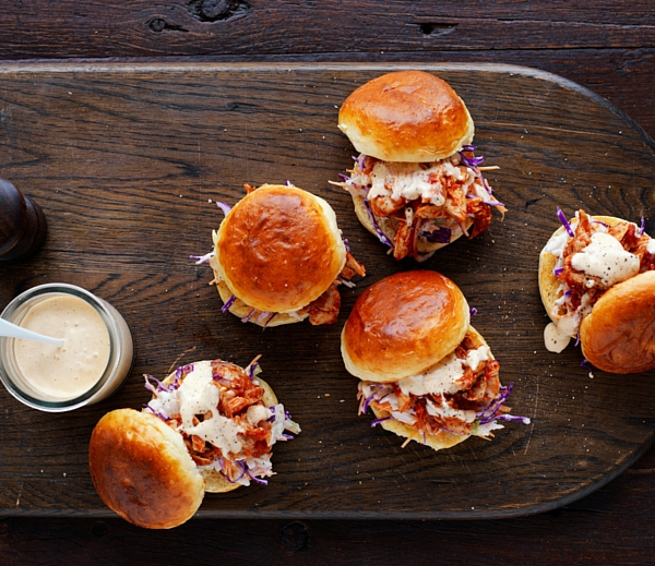 How to make pulled chicken sliders using your slow cooker