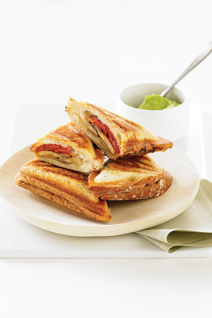 Create this recipe for a Roasted Capsicum, Mushroom and Goats Cheese Jaffle using the Breville Jaffle Maker