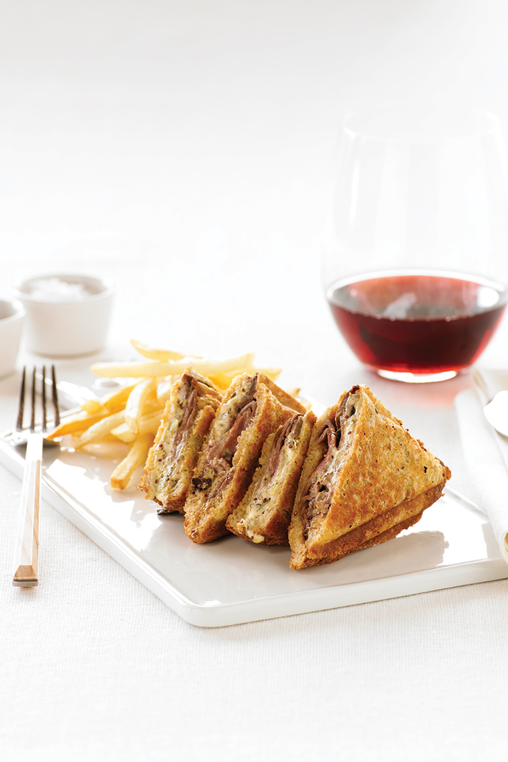 Create this recipe for a Wagyu Roast Beef, Radicchio and Creme Fraiche Jaffle by Breville using their Jaffle Maker