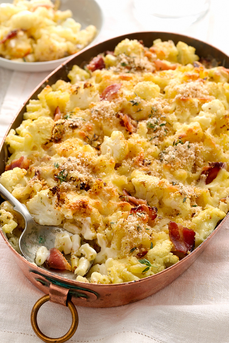 Create macaroni and cheese with cauliflower in this delicious pasta bake recipe