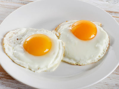 Make fried egg recipes for breakfast