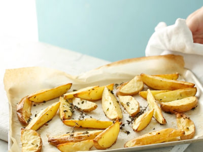Make homemade oven-baked wedges with this how-to cooking school video by myfoodbook
