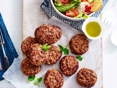 Make turkey rissoles as a delicious and lean barbecue idea