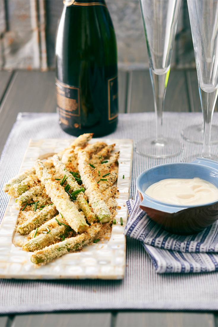 This crunchy asparagus pairs perfectly with garlic aioli