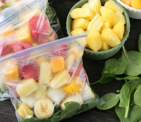 Frozen smoothie packs are an easy way to get organised for breakfast