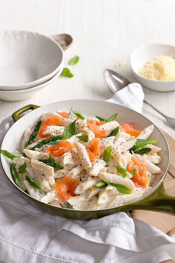 This Asparagus, Smoked Salmon and Ricotta Penne is the perfect dinner idea for spring