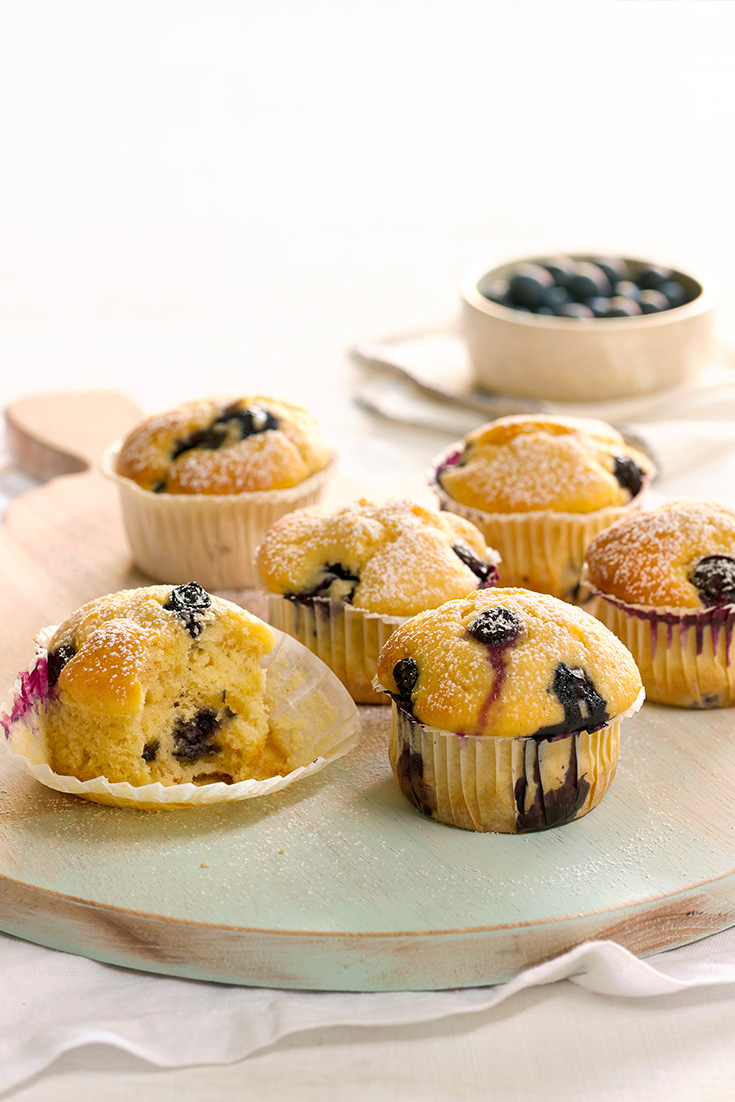 These Mini Baked Lemon and Blueberry Ricotta Cakes are the perfect weekend baking idea