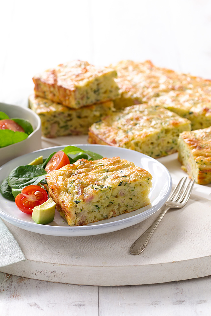 This Zucchini & Bacon Slice recipe is great for an easy dinner idea and an easy idea for meal planning
