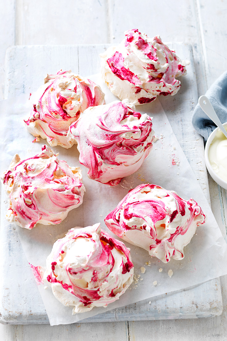 Make these gorgeous Pink Marble Meringues for your next occasion