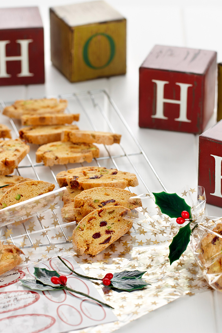 Turn this White Chocolate Biscotti into an Edible Christmas gift idea