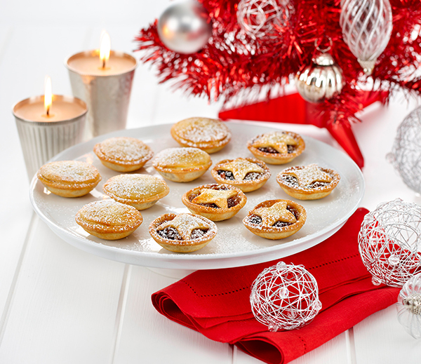 Make mini Fruit Mince Pies with a Philly Pastry as a DIY edible Christmas gift idea