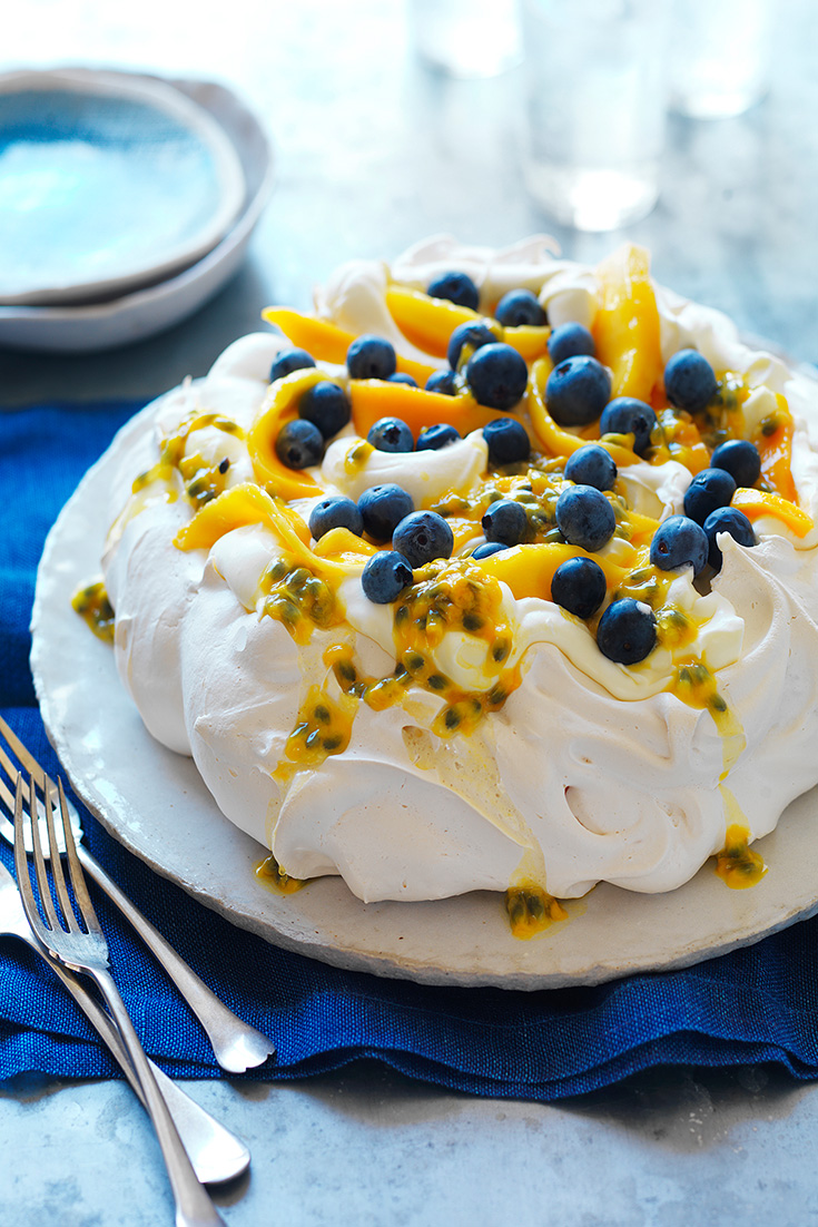 This Perfect Pavlova is the ultimate Christmas day dessert recipe