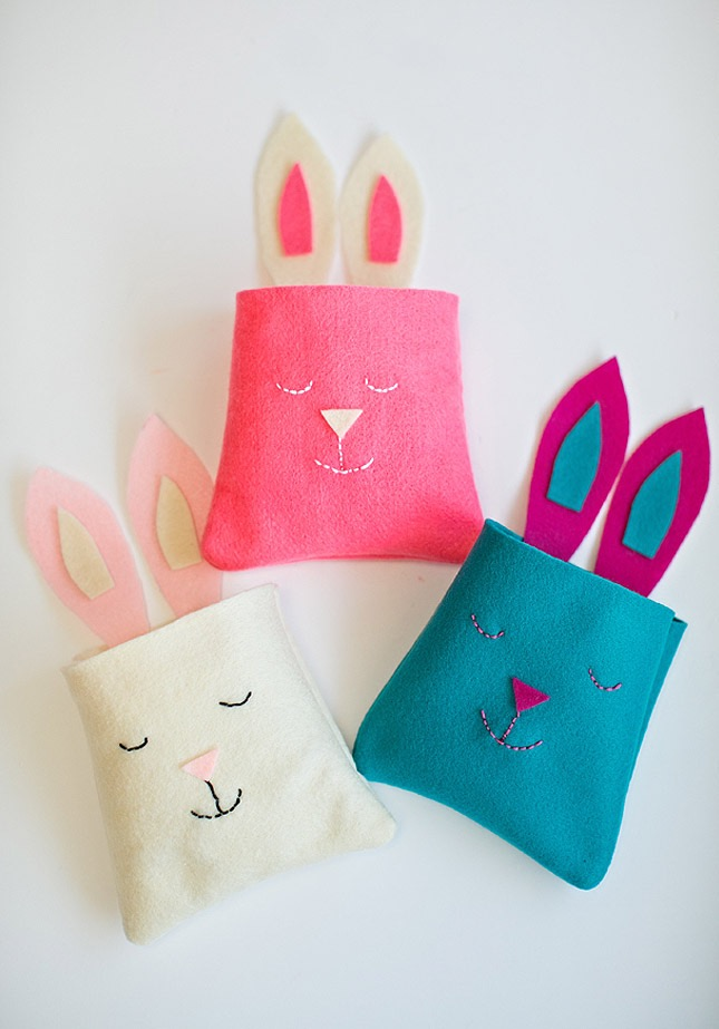 Felt Easter Baskets. Idea by Hello Wonderful