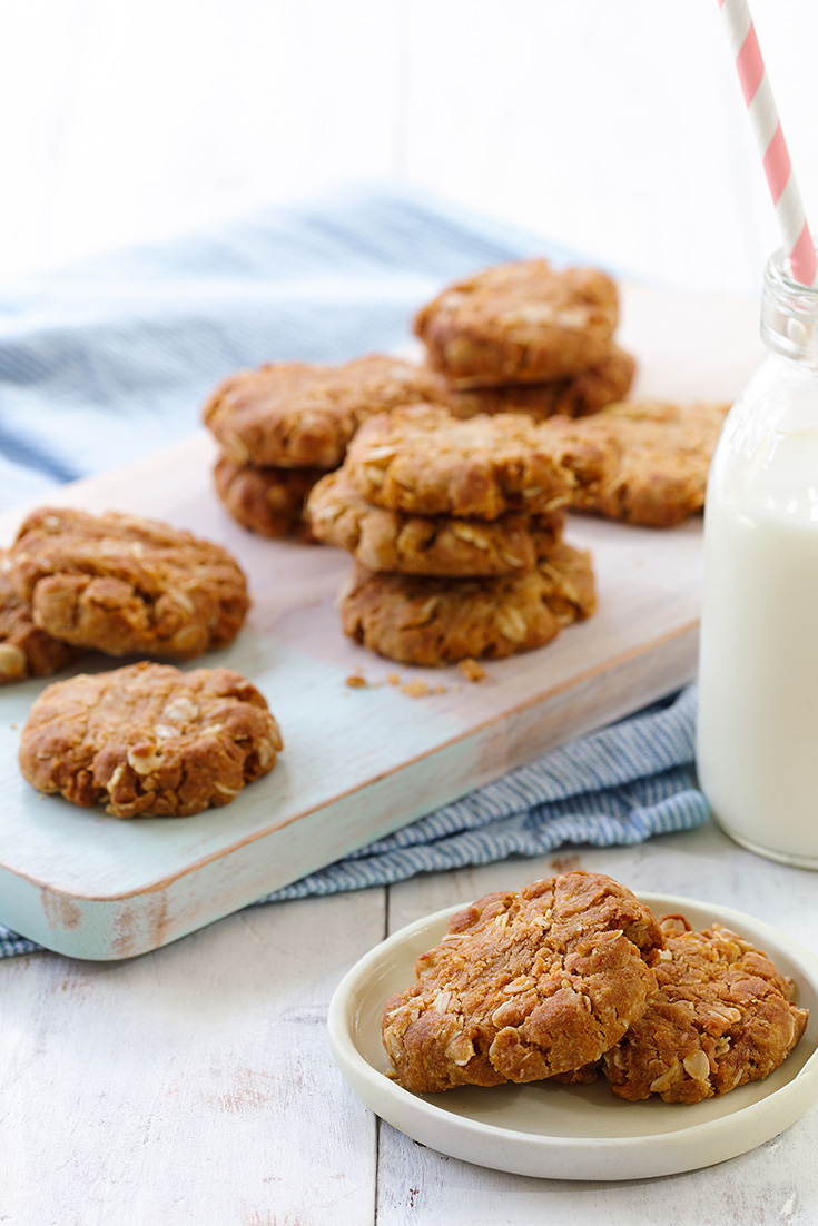 Do some Anzac baking with this delicious chewy Anzac biscuit.