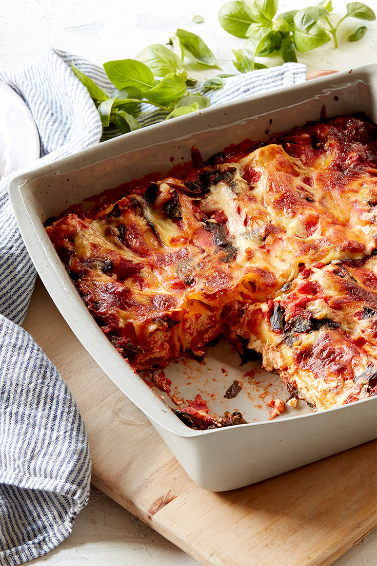This easy vegetarian ricotta cannelloni bake is a great weeknight dinner and ideal for freezing