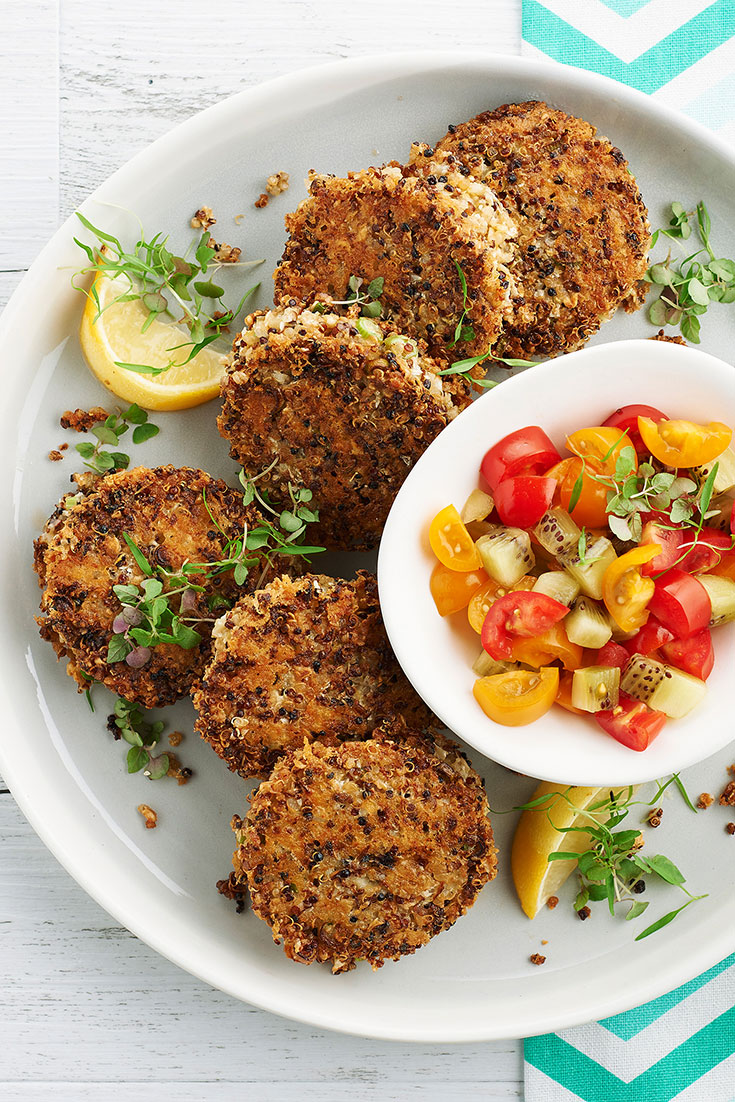 These cauliflower and cheddar fritters with kiwi salsa are perfect for a quick and easy high protein, vegetarian meal