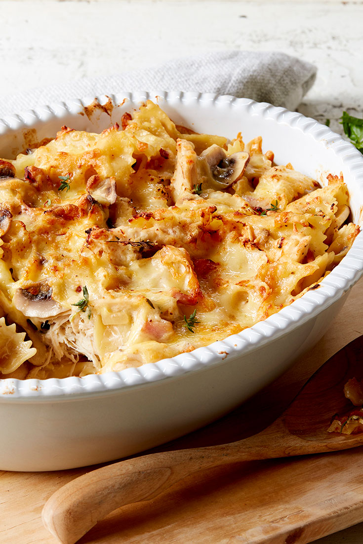 This beautiful looking lemon, chicken, bacon and farfelle bake recipe has a bit of everything. This pasta bake recipe is quick and easy and perfect for a family dinner idea during busy weeknights.