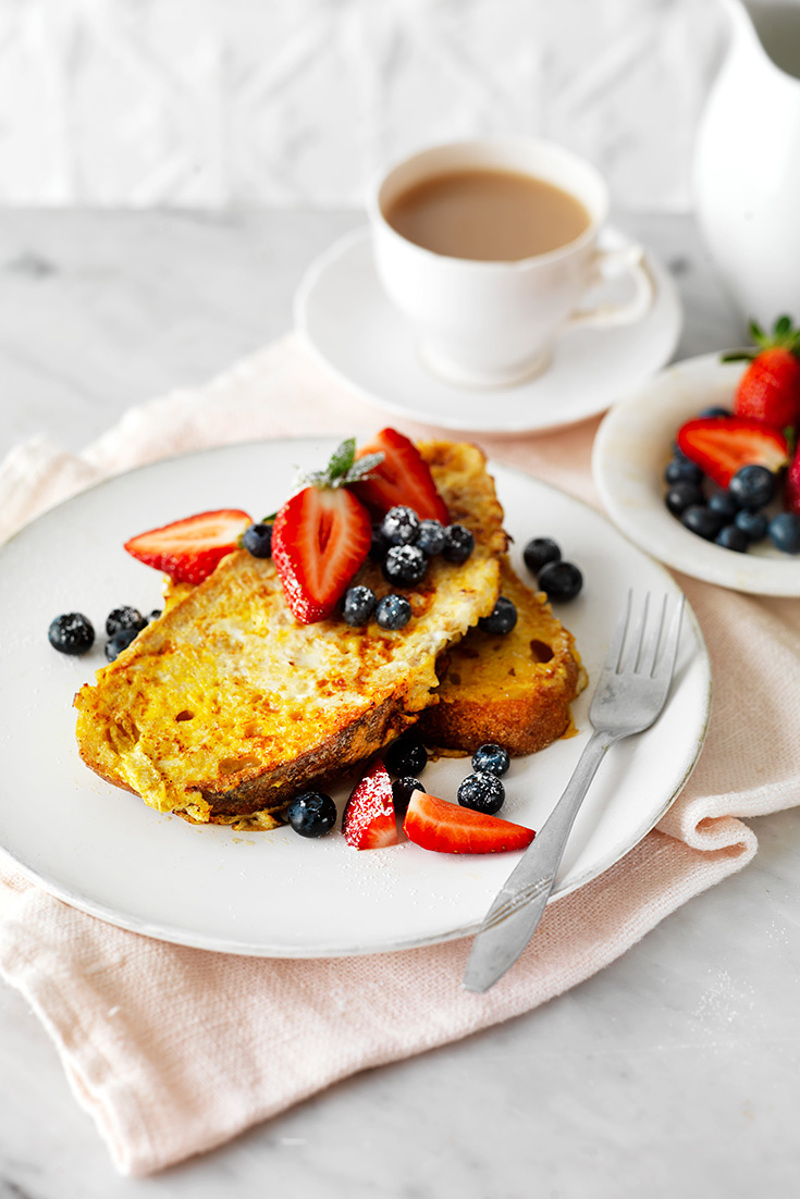 What better way to start mums day with some eggy friend toast served with berries