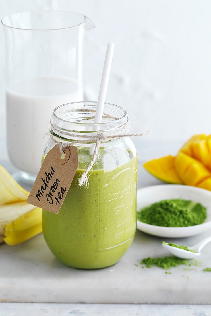 This tasty and trendy matcha green tea smoothie reaps all the matcha health benefits but also quick and easy.
