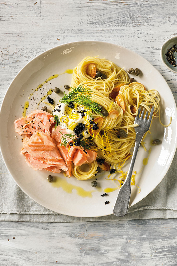 This sous vide salmon with pasta, crispy garlic and lemon sauce recipe is perfect dinner idea for the family. Or try this dish at your nest dinner party and your guests will definitely be impressed by this sous vide salmon, pasta recipe.
