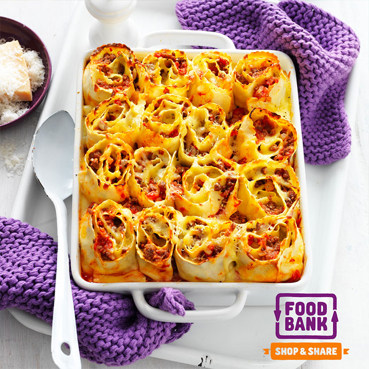 This stunning lasagne roll-ups recipe is the ideal meal to serve up to guests at a dinner party.