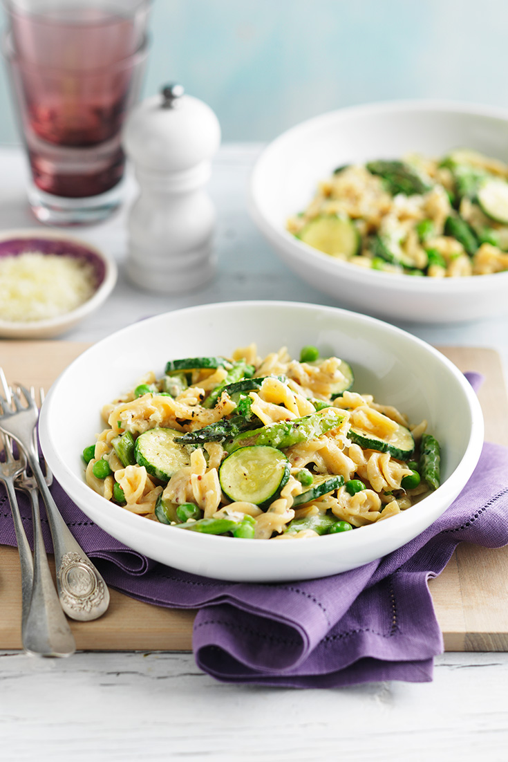 This delicious primavera pasta recipe is a great way to eat more greens and enjoy an easy dinner idea.