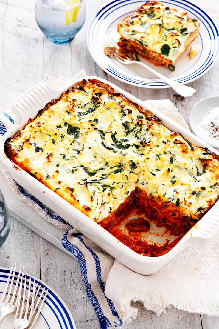 This delicious spinach, ricotta and mushroom lasagne recipe is a great vegetarian