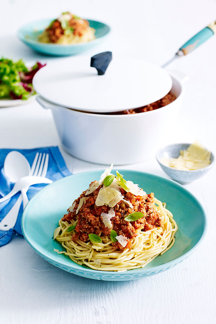 This easy turkey bolognese recipes can be frozen of enjoyed straight away. Simply freeze the bolognese sauce and cook the pasta when ready to eat.
