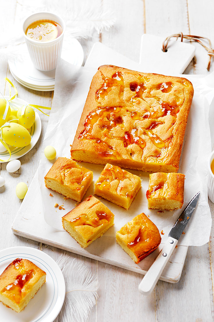 This easy but delicious almond and marmalade blondie recipe is the perfect morning tea treat for dad on Father's Day.