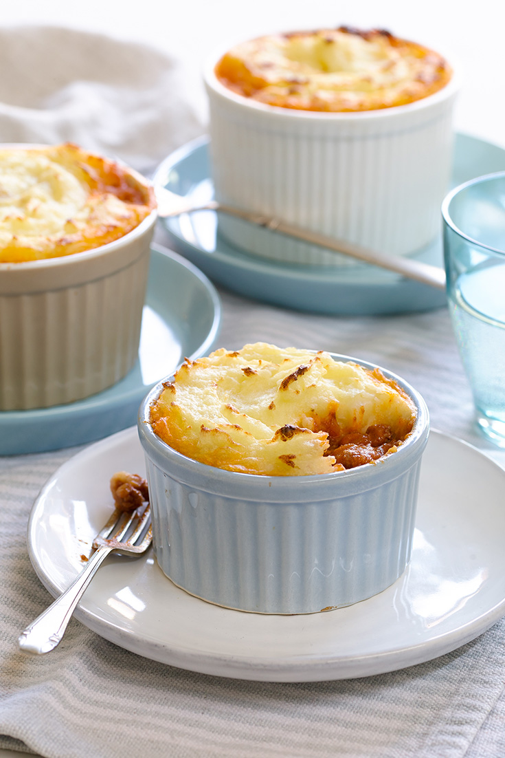 This easy mini shepards pie recipe won't taste the same without adding onion to your mince.