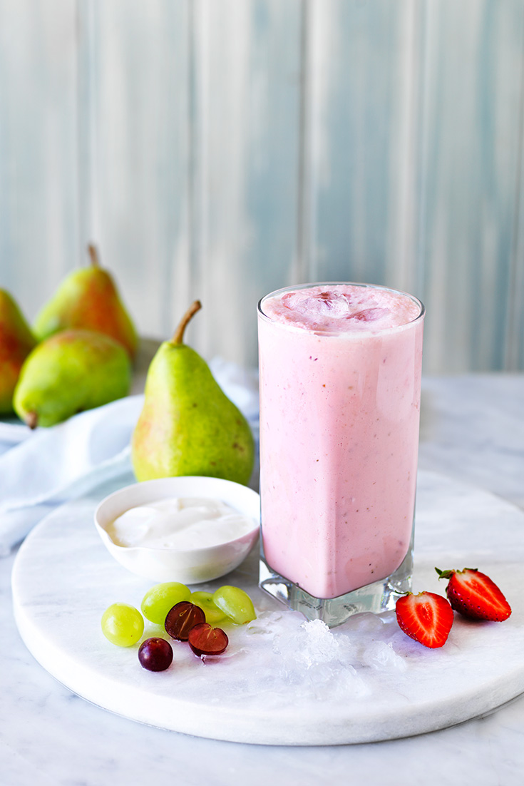 This super delicious pear and strawberry smoothie recipe is a delicious breakfast for those who are time poor. Simply blend all your ingredients and enjoy on-the-run.
