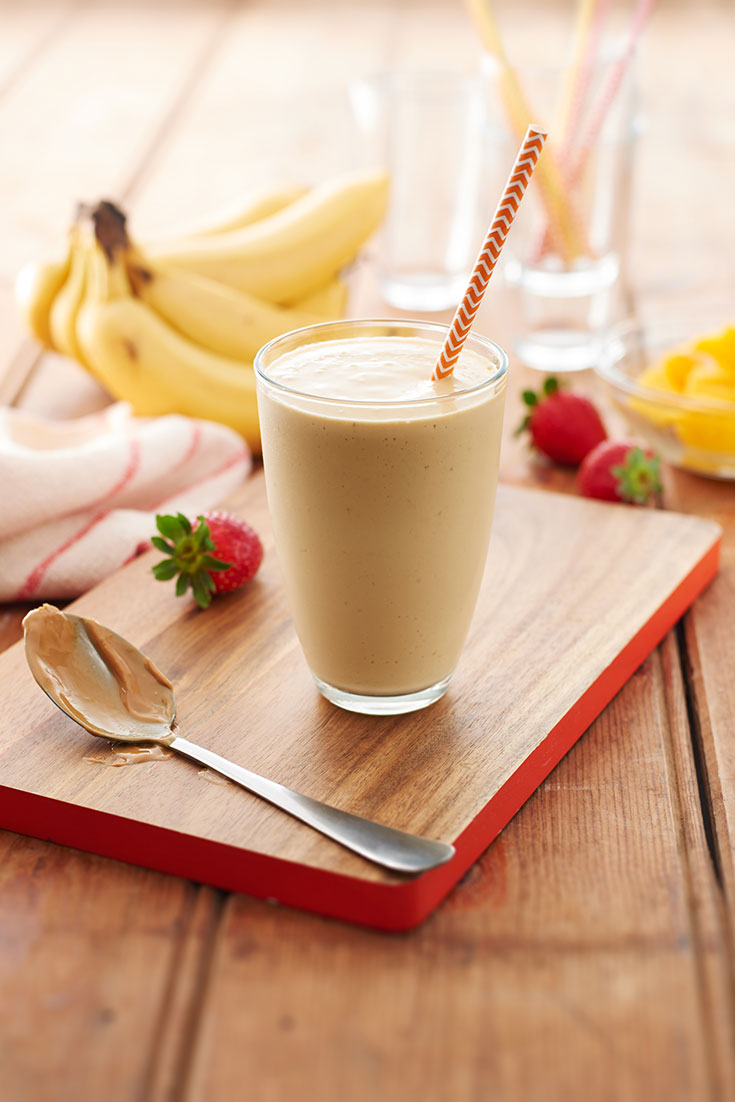 This easy peanut butter smoothie recipe is a fulfilling and quick recipe that should be added to your list of snack recipes.
