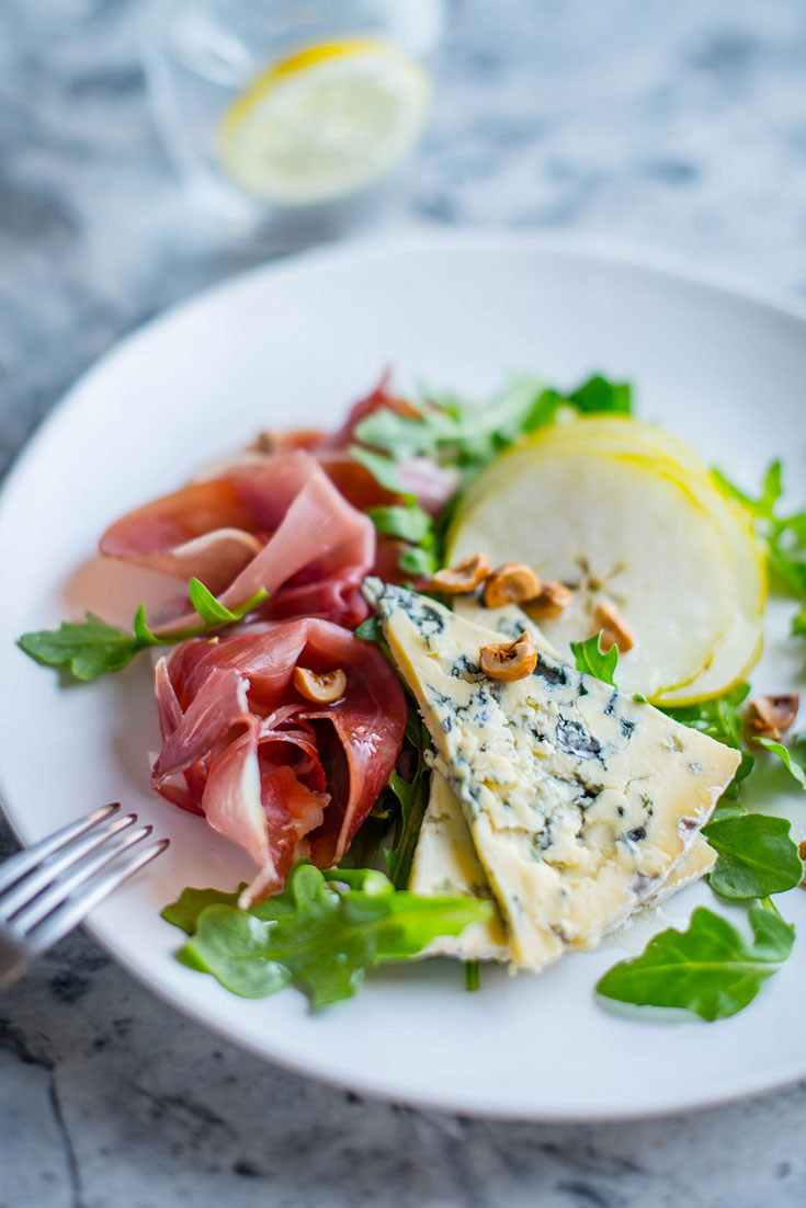 This easy pear, prosciutto and blue cheese salad recipe is the perfect quick appetiser idea.