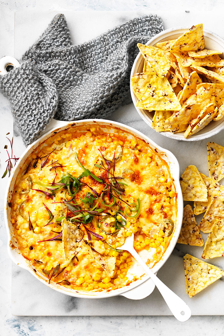 This easy hot Mexican street corn dip recipe is a delcious and mouth-watering appetiser or snack.