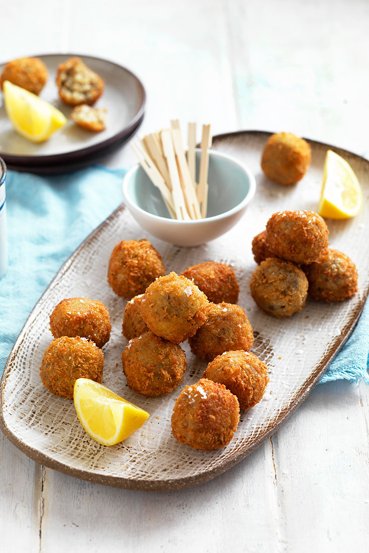 Finger Food Recipes for race day. This delicious mushroom arancini recipe is a great appetiser recipe to serve at your next dinner party or dining event.