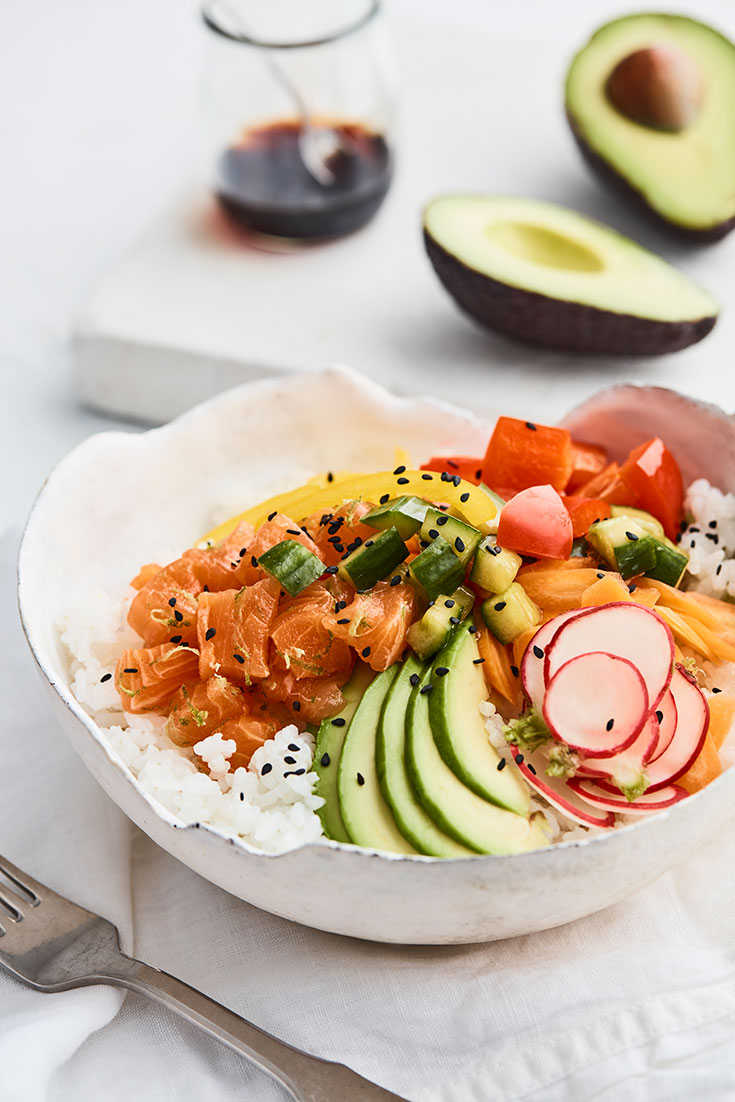 This quick and avocado poke bowl, is a delicious lunch or dinner idea great for the whole family.