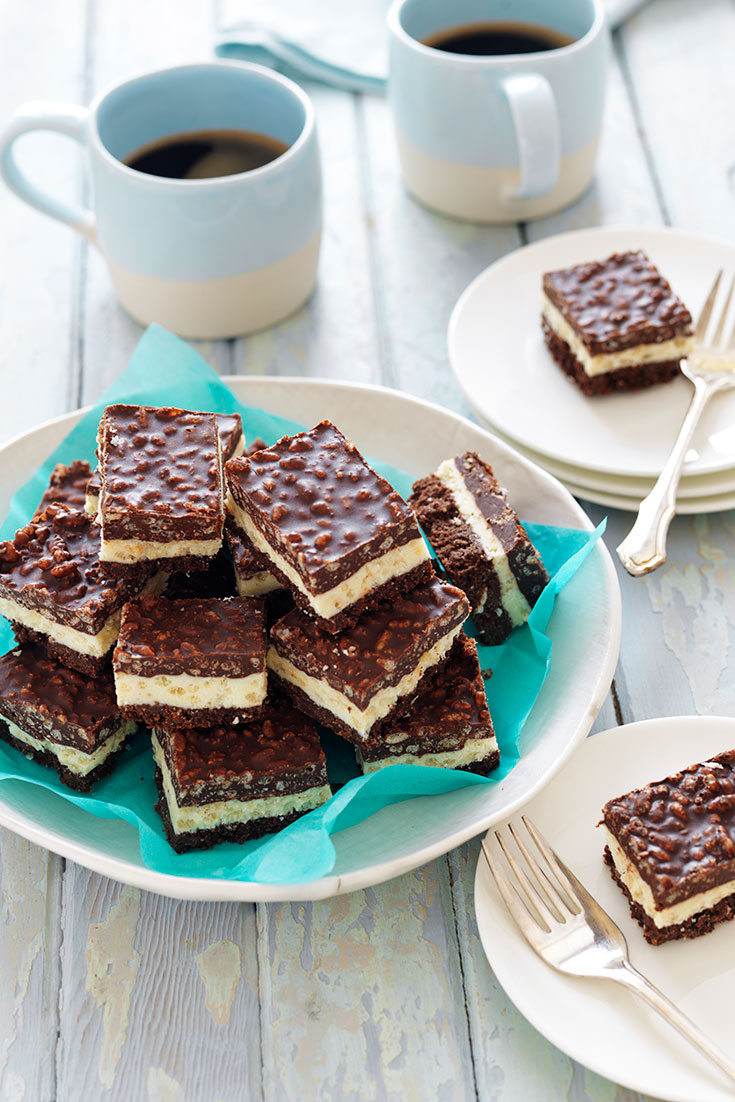 This easy layered chocolate crackle slice recipe is the perfect Christmas treat.