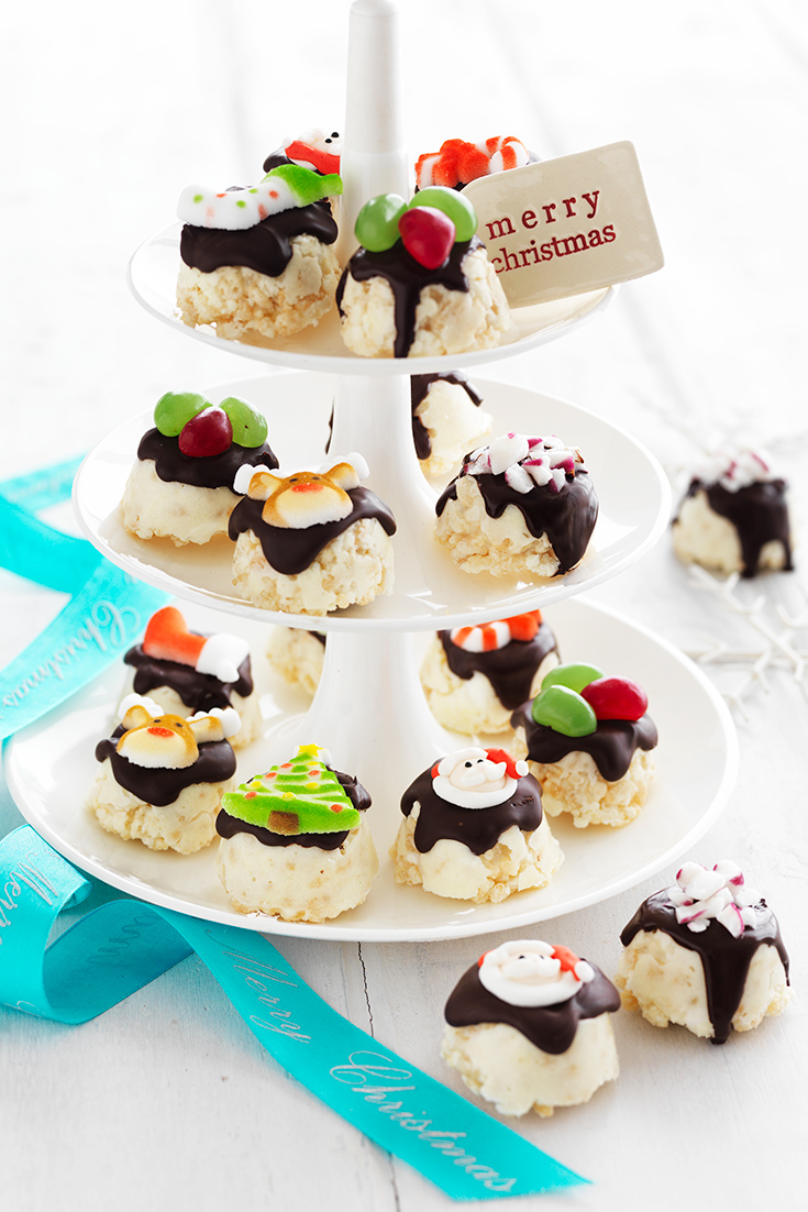 These White Christmas Minty Treats make unique edible Christmas gifts.