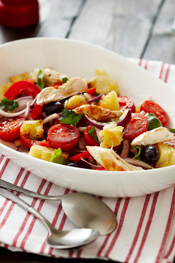 This easy and delicious chicken panzanella salad recipe is the perfect dish to add to your Christmas side dishes collection.