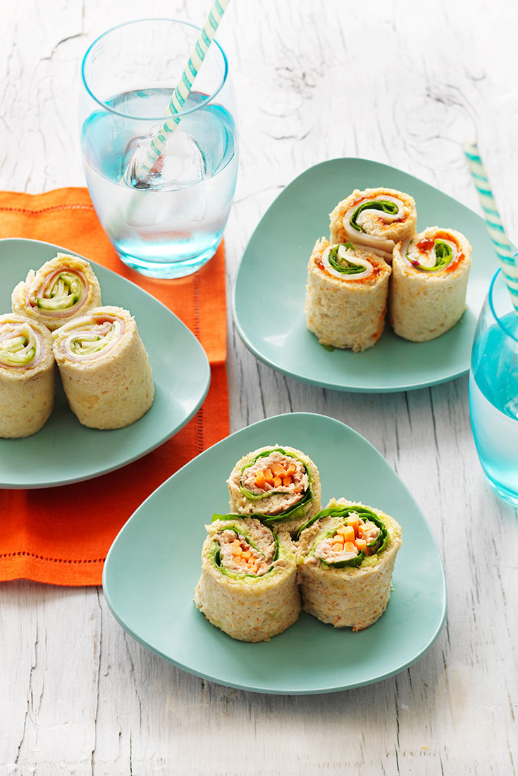 This easy bread sushi rolls recipe is a fun and easy lunch idea for kids lunch boxes.