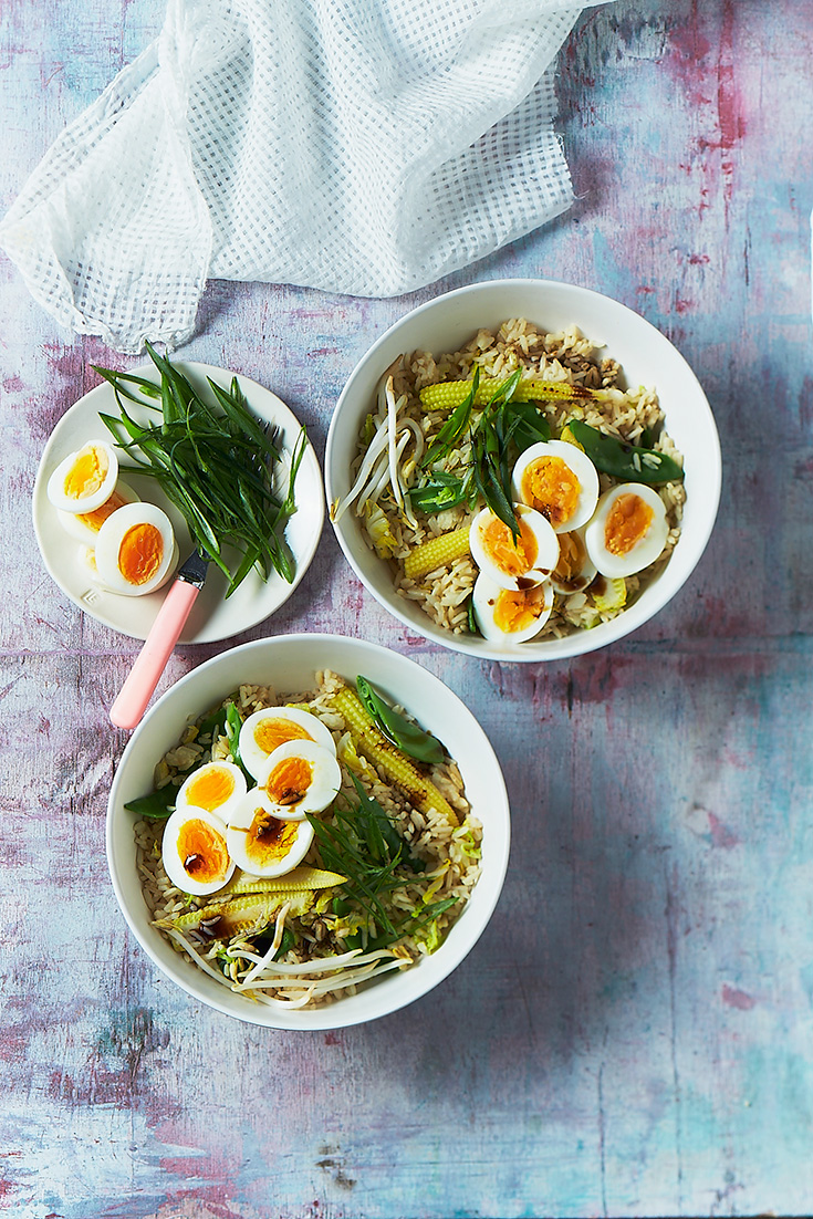 This quick and easy fried rice with boiled eggs recipe is the ultimate 30 minute meal for busy weeks.