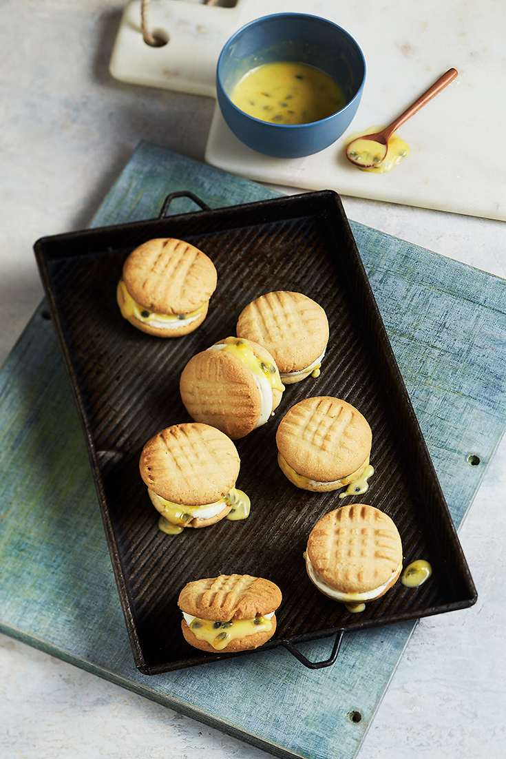 This easy passionfruit melting moment recipe is a fresh dessert recipe, ideal for entertaining.