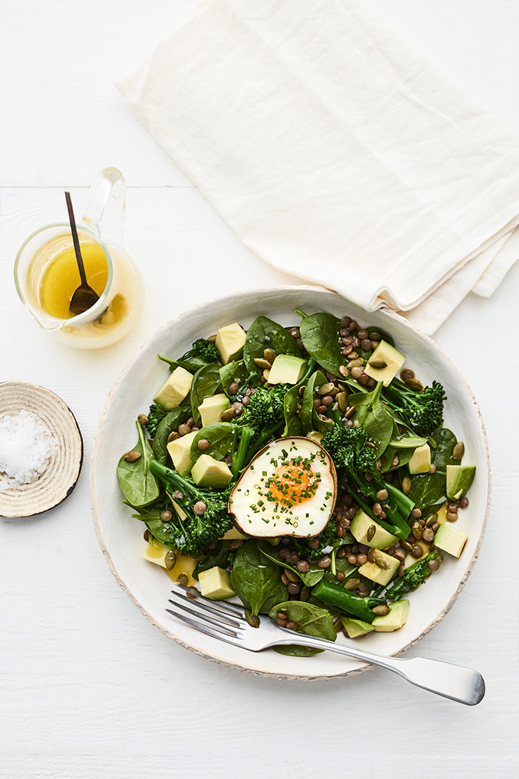 This easy green breakfast recipe, is full of nutritious and fulfilling ingredients to keep you powering throughout the day.