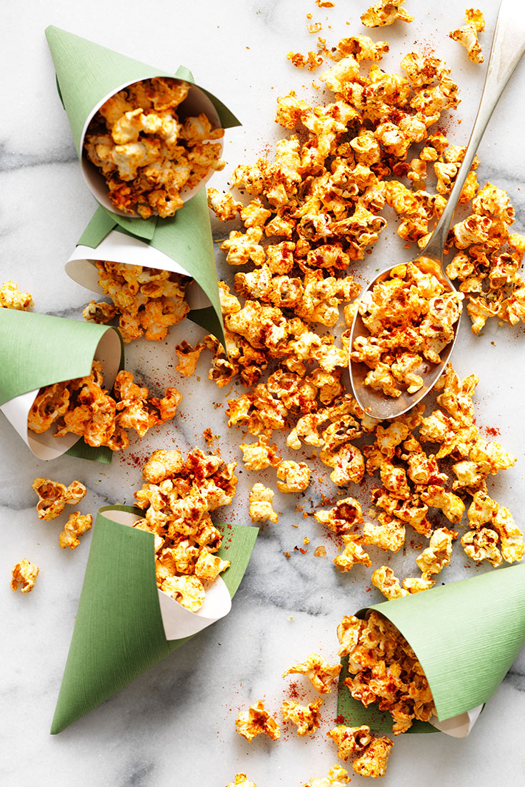 This quick and easy pizza popcorn recipe is another delicious way to enjoy popcorn.